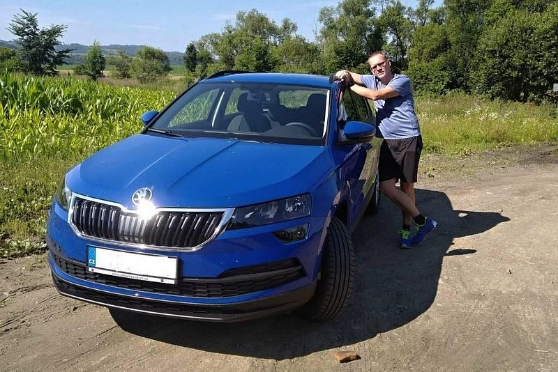 Řidič senior taxi v Zubří Lukáš Heralt.