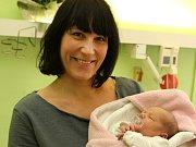 První miminko narozené v roce 2016 ve Zlíně Olivie Marušáková v porodnici v Krajské nemocnici T. Baťi ve Zlíně.  Na snímku s maminkou Terezou Románkovou.