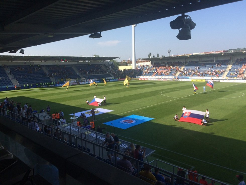 FC Fastav Zlín – Slovan Bratislava. 10 minut před zápasem