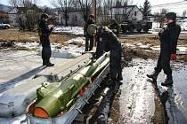 V úterý 13. října 2020  skončil zásah v bývalých muničních skladech ve Vrběticích.