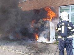 Požár kontejnerů. Ilustrační foto