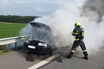 K incidentu došlo v sobotu krátce před pátou hodinou odpoledne na dálnici v úseku mezi Otrokovicemi a Hulínem.