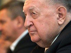 Strana Práv Občanů – Zemanovci představila na neformální tiskové konferenci v pondělí 12. prosince ve zlínském hotelu Moskva body své kampaně do krajských voleb v příštím roce. Konference se zůčasnil i dlouholetý předseda slušovického JZD František Čuba.