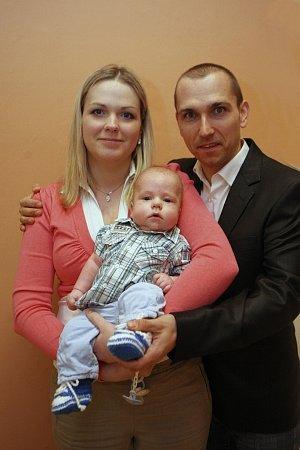 Vítání dětí na radnici ve Zlíně 4.3.2016.Jan a Monika Šenkeříkovi se synem Janem.