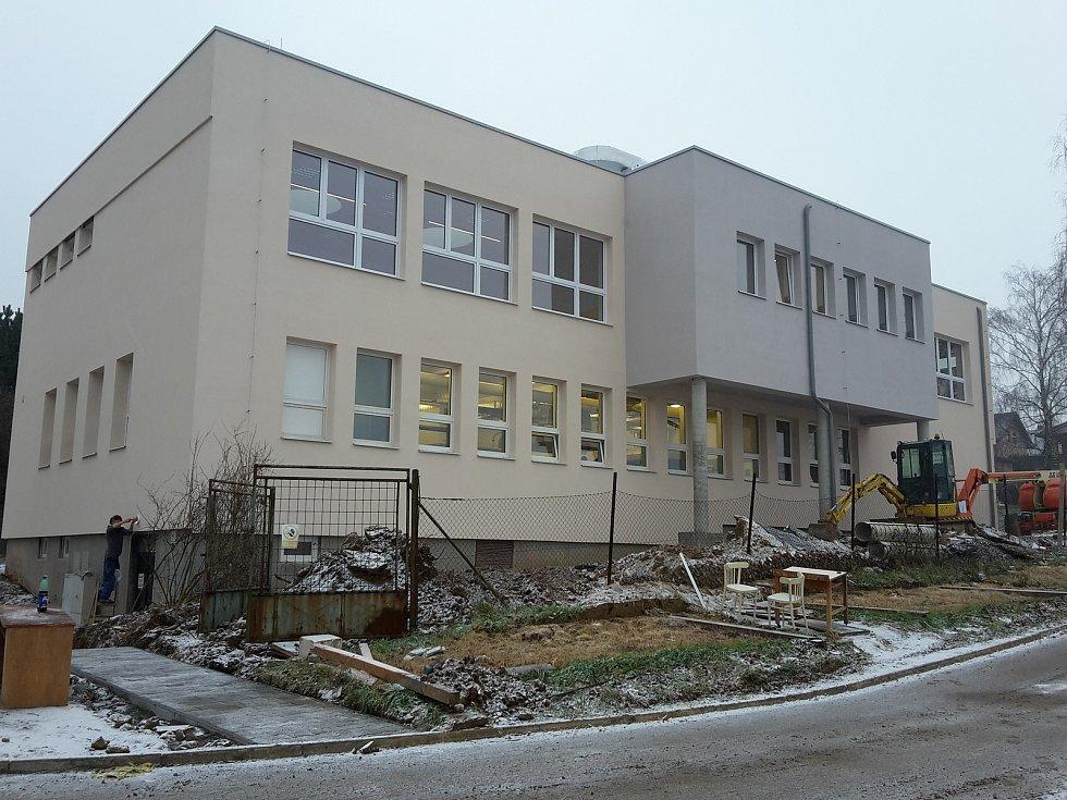 Obec Mysločovice. Rekonstrukce základní školy.