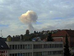 Výbuch z okna valašskokloboucké radnice, cca 7 km o místa nehody.