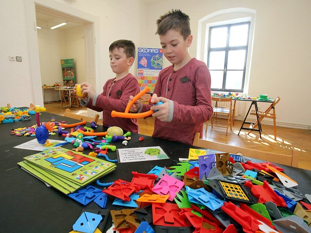 Výstava stavebnic IQ Play na zámku ve Zlíně.