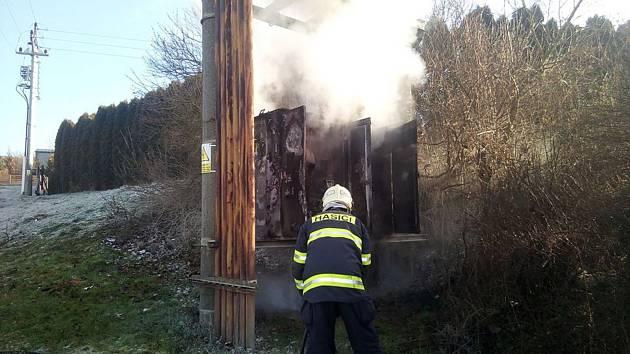 Požár rozvodné skříně způsobil škod za milión korun.