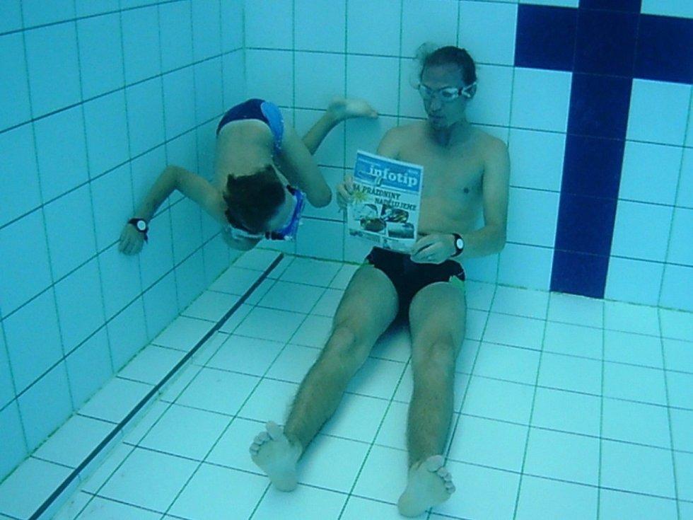 Soutěžní číslo 18 - Ilona Viceníková, tatínek a syn s Infotipem v Uherskohradišťském aquaparku.