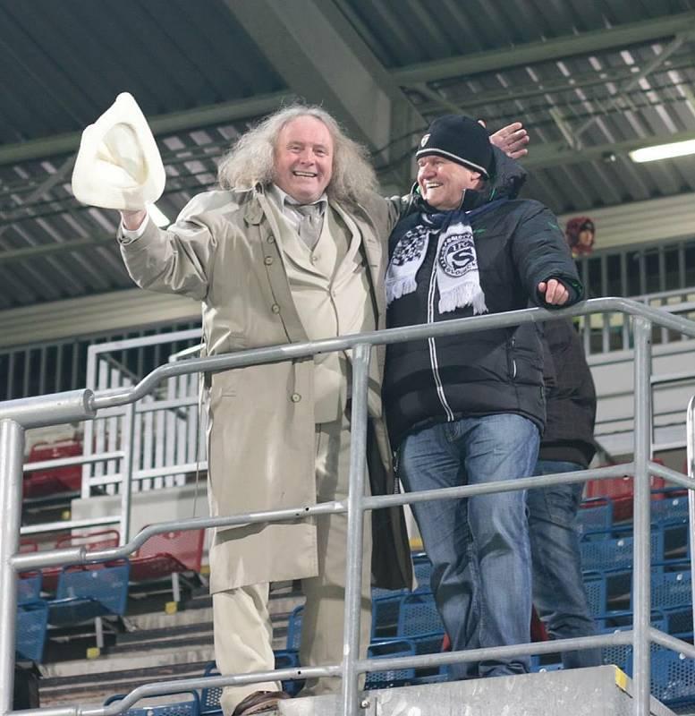 Známý fotbalový fanoušek Vladimír Johaník nebude chybět ani na derby.