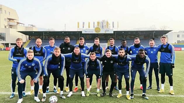 Fotbalisté Zlína se přidali ke spolku Fotbalového anděla, pro nemocné děti vybrali šestnáct tisíc korun.