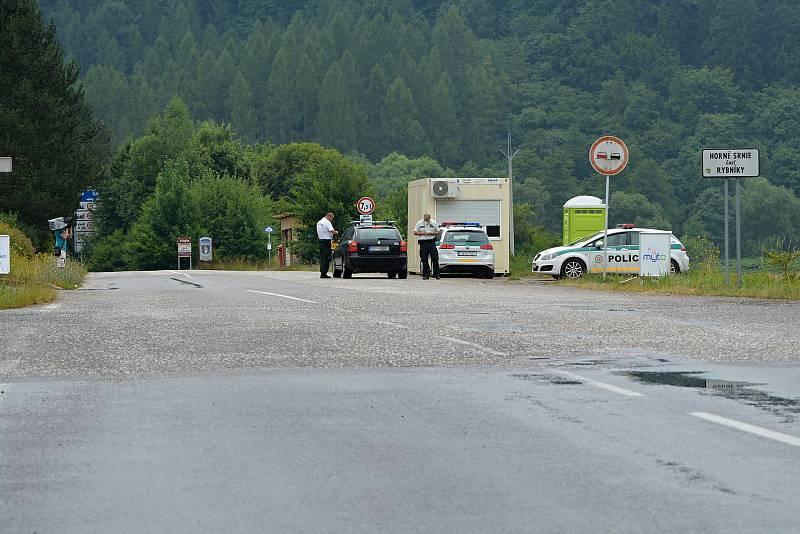 Hraniční přechody se Slovenskem byly v pátek ráno 9. července 2021 opět otevřené. Na snímku přechod Brumo-Bylnice.