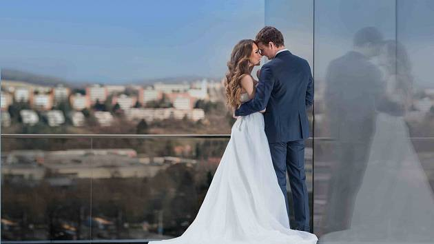 """""""svatby v nebi"""" na střeše Obchodního domu"""