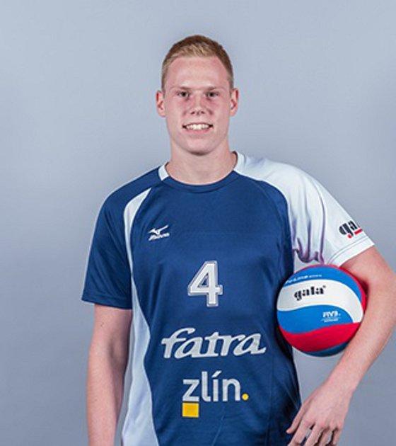 Mladý zlínský smečař Daniel Čech se proti Karlovarsku blýskl několika povedenými údery, celkem si v duelu předposledního kola základní části extraligy připsal deset bodů.