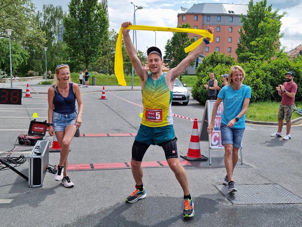 Ondřej Velička na MČR v běhu na 100 kilometrů v Plzni 2021