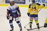 Extraligoví hokejisté Zlína (vš žlutém) v nedělním 26. kole doma hostili mistrovskou Kometu Brno. Na snímku Mueller