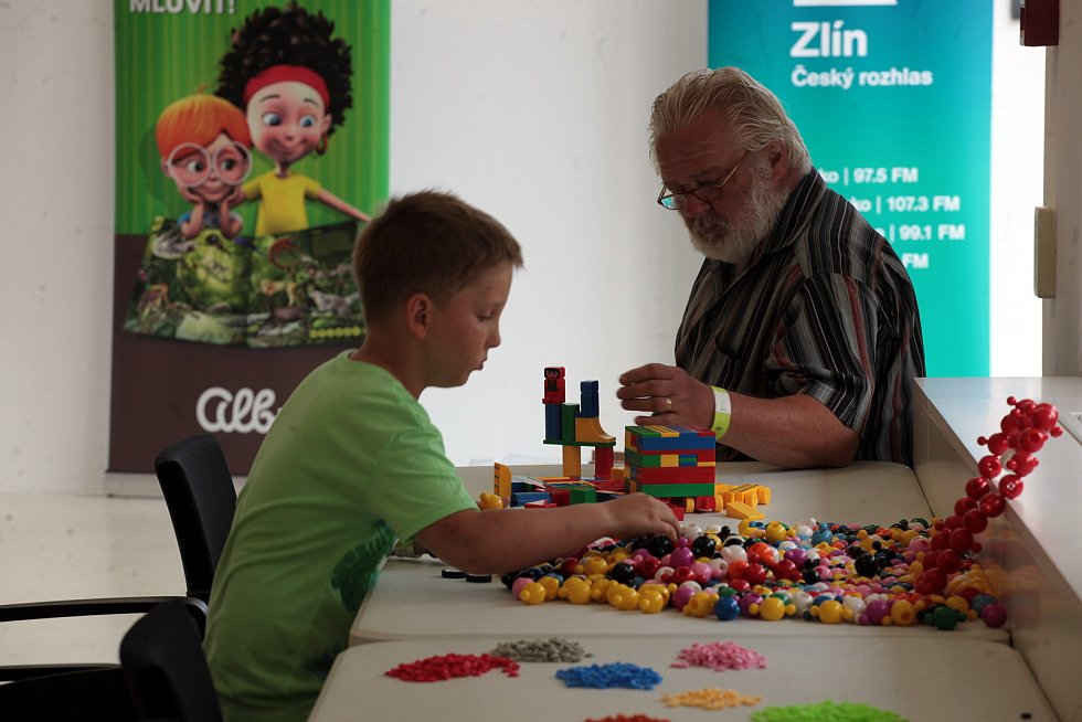 Prázdninový Festival IQ Play nabízí vysokou koncentraci herní zábavy. Do Baťova institutu si přišli pohrát zájemci 18. července 2021