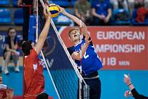 Čeští kadeti (v modrých dresech) ve svém čtvrtém představení na domácím šampionátu nestačil na Turecko a po porážce 1:3 klesl na třetí místo.