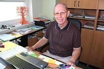 Robert Podlas už dvacet let šéfuje tlumačovské základní škole.