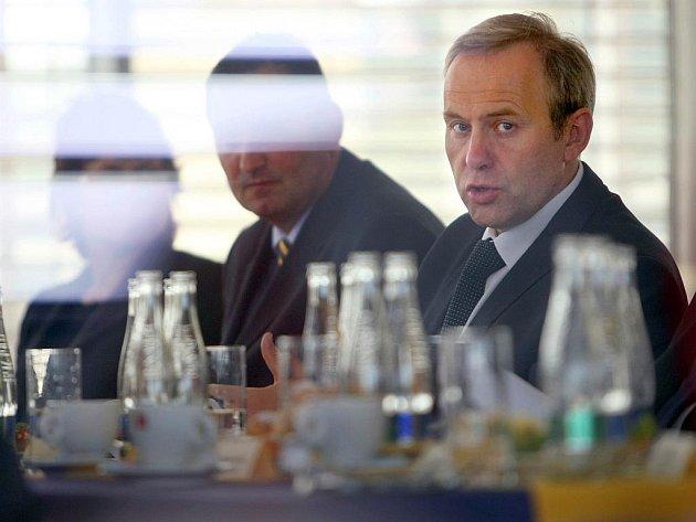 Ministr pro místní rozvoj Rostislav Vondruška ve středu 19. června navštívil Zlín: na jednání s představiteli kraje diskutovali zejména o problematice cestvního ruchu.