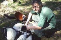 Vlastimil Ždánský s lemury.