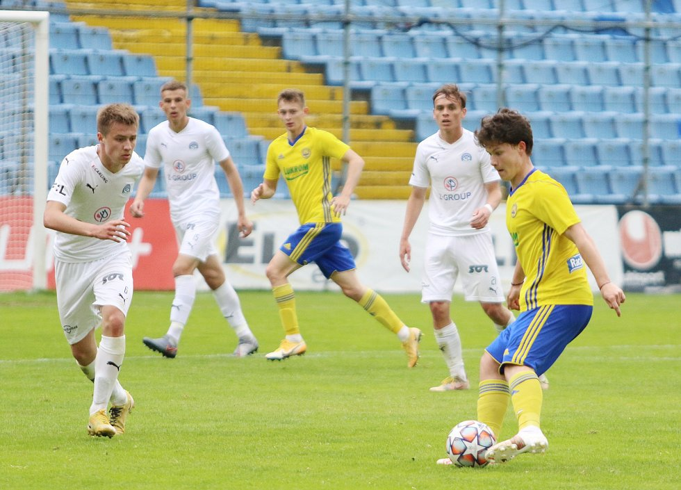 Fotbalisté Zlína B se v sobotu dopoledne utkali s juniorkou Slovácka.