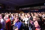 Slavné rockové pecky v podání Filharmonie Bohuslava Martinů byly lákadlo. Kongresové centrum kapacitně nestačilo, a tak se koncert přestěhoval do sportovní haly.