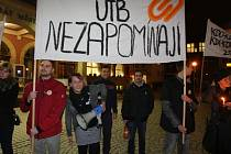 Pochod studentů UTB k 17.11.1989 z náměstí Míru ve Zlíně.