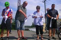 V pátek 18. července 2014 slavnostním přestřižením pásky otevřeli v Napajedlech nový úsek cyklostezky podél Baťova kanálu.