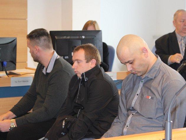 Výrobci drog z Polešovic a Nedakonic u krajského soudu ve Zlíně