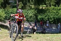 Závody jezdců na horských kolech se konaly v centru Valašských Klobouk