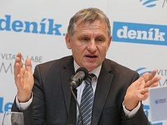 Akce Deník s vámi, panelová diskuze s hejtmanem Zlínského kraje.