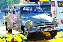 S historickým vozidlem se Roman Kalík každoročně projede i na Barum rally Zlín.