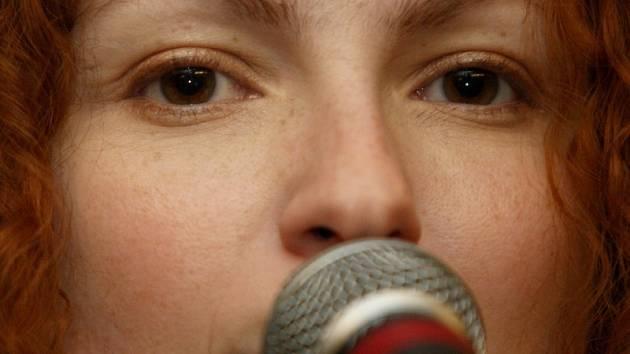 Alexandra Langošová z kapely November 2nd.