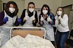Dobrovolníci v ošetřovatelství. Ilustrační foto
