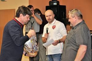 Vítězem v kategorii košt slivovice se stal Pavel Hřib ze Zlína s durancií.  Umístil se i na druhé příčce v kategorii letních kvasů s meruňkovicí. První cenu vítězi předává organizátor již 7. ročníku Karel Müller.