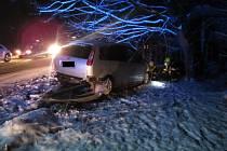 Krajští hasiči zasahovali u nehody tří osobních vozidel u Zádveřic