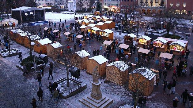 Vánoční jarmark na náměstí Míru ve Zlíně