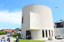 V sobotu 13. května 2017 v Sazovicích slavnostně zasvětili nově postavený kostel svatému Václavovi, patronu obce. Hlavním světitelem byl arcibiskup olomoucký Jan Graubner.
