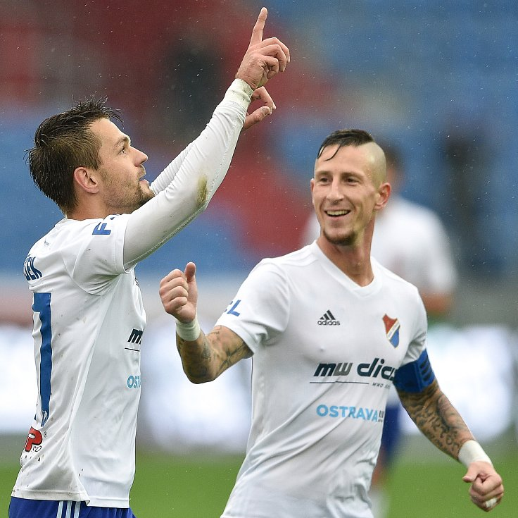 Utkání 12. kola první fotbalové ligy: Baník Ostrava - Fastav Zlín, 5. října 2019 v Ostravě. Na snímku (zleva) Milan Jirásek a Jiří Fleišman.