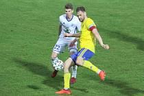 Útočník Fastavu Zlín Tomáš Poznar v zápase s Mladou Boleslaví.