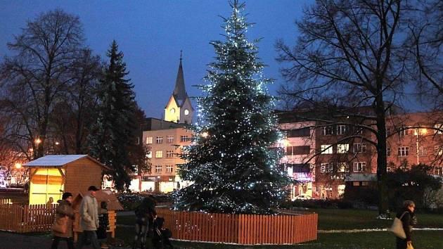HLASUJTE  Vyberte nejhezčí vánoční strom - Deník.cz ae7c942dfe