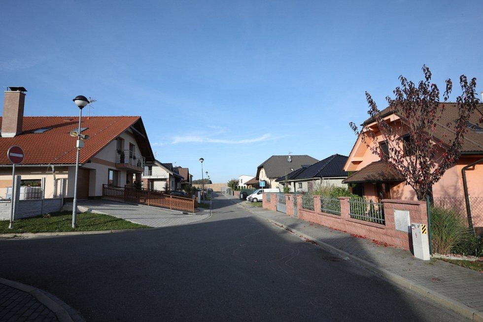 Obec Mysločovice. Nad školou