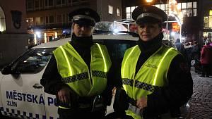 Zlínští strážníci mají nové, svítící vesty