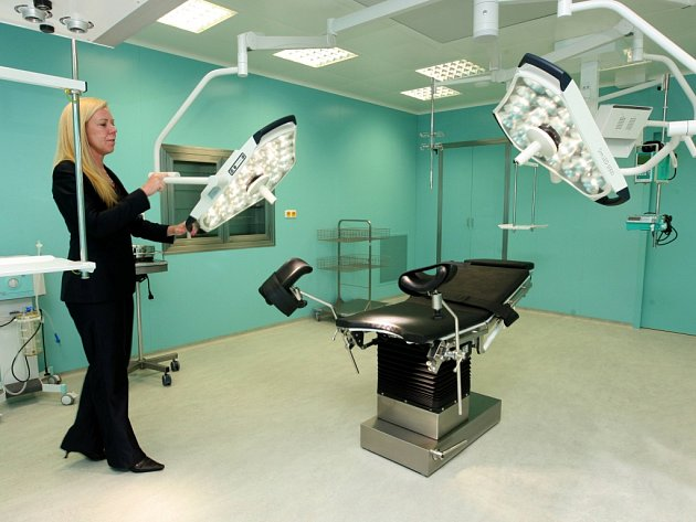Nové operační sály v nemocnici Atlas ve Zlíně.  Zelený aseptický operační sál.