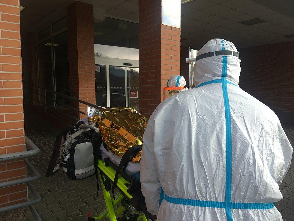 Převoz pacientů na ventilaci z nemocnic ve Zlínském kraji