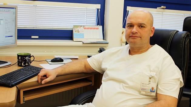 primář meziříčské chirurgie Daniel Pešák