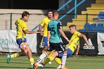 Fotbalisté Zlína (žluté dresy)  v generálce porazili slovenskou Senici 3:0. Foto: pro Deník/Jan Zahnaš