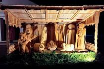 V Bohuslavicích nad Vláří mají krásný vyřezávaný betlém