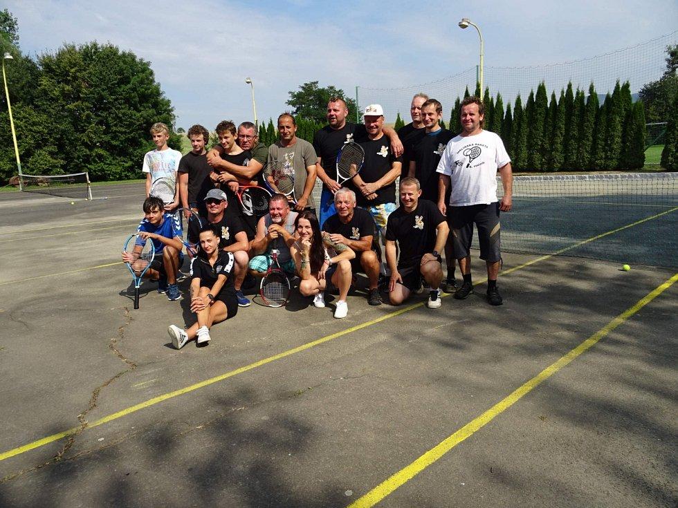 Tenisový turnaj ve čtyřhře v Mrlínku